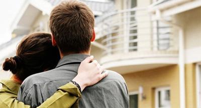 Молодой семье сложно своими средствами приобрести квартиру. И тут на помощь приходит ипотека для молодых семей.